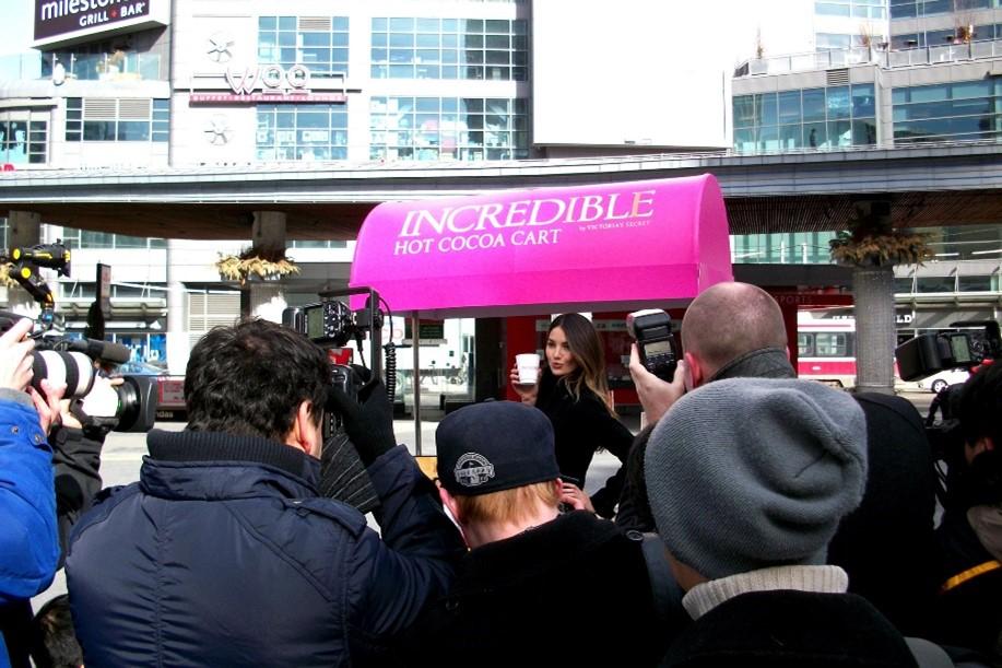Experiential Event Marketing Retail Experience Victoria's Secret